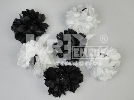 Broche mediano con flor